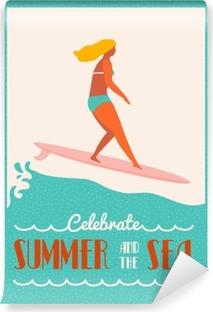 Papier peint vinyle Affiche le texte de devis d'été avec surfer girl sur un longboard chevauche une vague. Affiche de style de vie de plage dans le style rétro.
