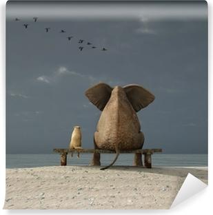 Papier Peint Autocollant Éléphant et chien de s'asseoir sur une plage