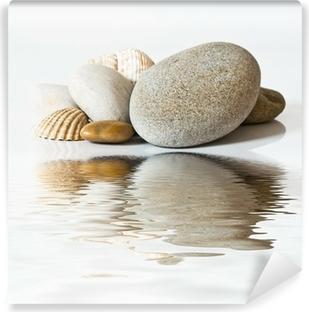 Papier Peint Autocollant Galets et coquillages sur l'eau