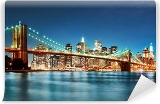 Papier peint vinyle Brooklyn bridge at night