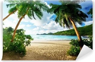 Papier peint vinyle Coucher de soleil aux Seychelles