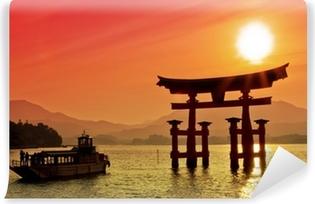 Papier peint vinyle Coucher de soleil vue de Torii, Miyajima, Japon