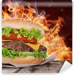 Papier peint vinyle Délicieux hamburger sur bois