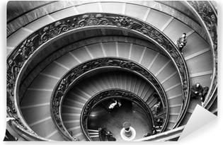 Papier peint vinyle Escalier du Vatican en noir et blanc