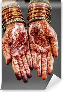 Papier peint vinyle Femme mains avec du henné