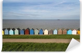 Papier peint vinyle Huttes de plage le long de la côte dans le Kent