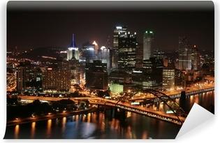 Papier peint vinyle L'horizon de Pittsburgh de Mount Washington dans la nuit.