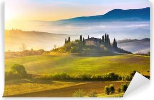 Papier Peint Vinyle La Toscane au lever du soleil