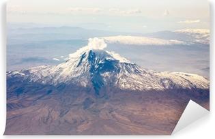 Papier peint vinyle Montagne Ararat dans le Caucase depuis la fenêtre de l'avion