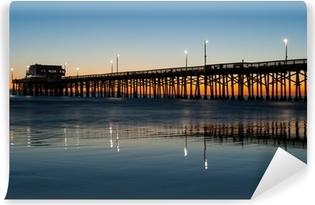 Papier peint vinyle Newport Beach Pier coucher du soleil