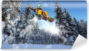Papier peint vinyle Snowboarders dans les pins