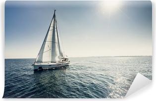 Papier peint vinyle Voiliers navire aux voiles blanches