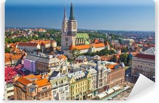 Papier peint vinyle Zagreb place principale et la cathédrale vue aérienne