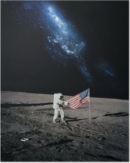 Astronaut går på månen. Elementer af dette billede indrettet af N Plakat