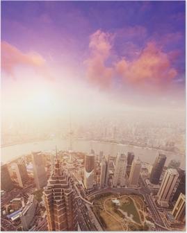 Bybillede af shanghai, tåget og overskyet Plakat