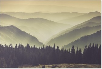 Landskab af tåget bjerg bakker. Plakat