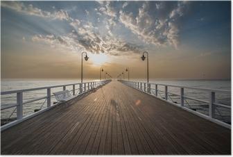 Plakat Soloppgang på kaien ved sjøen, Gdynia Orlowo,
