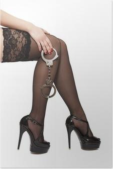 Plakat Vakre kvinneben i høye hæler og håndjern