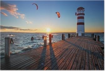 Plakat Latarnia morska na Jezioro Nezyderskie na zachodzie słońca