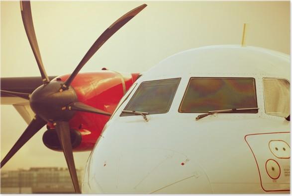 Plakát Letadlo zaparkované na letišti - slunce světlo - Vzduch