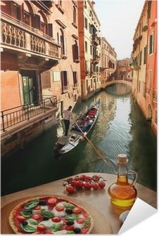 Plakat samoprzylepny Wenecja z włoskiej pizzy z kanałem w Włoszech