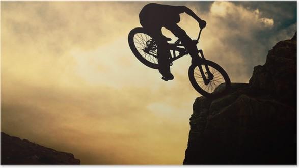 Plakát Silueta člověka na muontain-bike, západ slunce - Individuální sporty