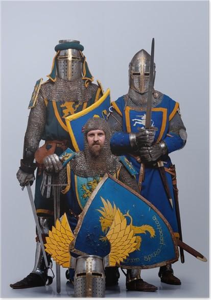 Plakát Tři středověcí rytíři izolovány na šedém pozadí. - Muži