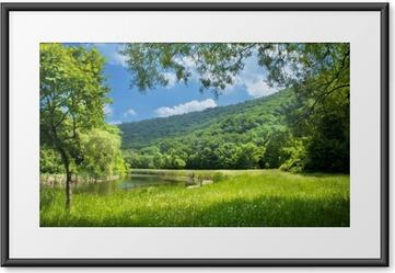 Plakát v rámu Letní krajina s řekou a modré nebe