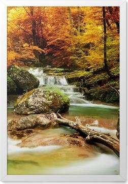Plakát v rámu Podzimní potok lesy s žlutými stromy