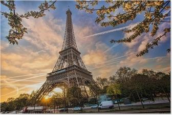 Plakat Wieża Eiffla przed wschodem słońca w Paryżu, Francja