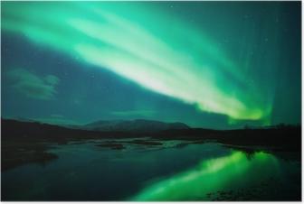Poster Aurora boreale sopra laguna in Islanda