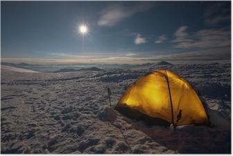 Poster Camping im Winter Wandern in den Karpaten