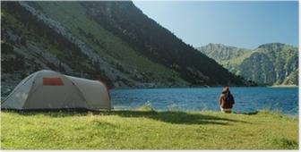 Poster Camping sauvage au Lac de Gaube dans les Pyrénées