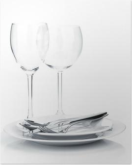 Poster Oder Silberbesteck auf Teller und Weingläser
