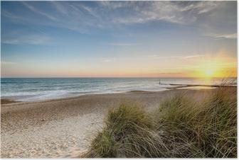 Poster Sonnenaufgang an einem wilden Strand