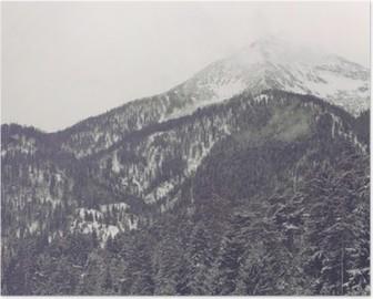 Poster Wolken bewegen über die fernen Gipfel
