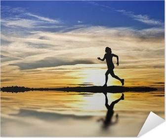 Póster Autoadesivo corriendo por la orilla del lago