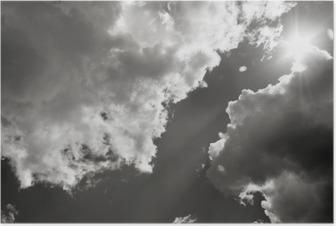 Poster Güneş bulutların arasından Kırdı. Siyah Beyaz Fotoğraf