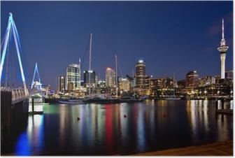 Poster Auckland, Nouvelle-Zélande, Skyline de nuit avec le pont