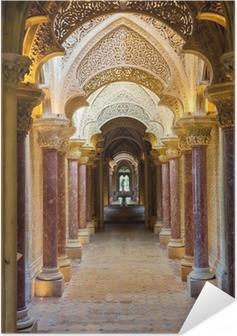 Póster Autoadhesivo Corredor del cuento de hadas del Palacio de Monserrate en Sintra ciudad, Portugal