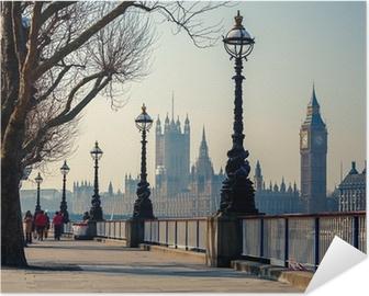 Poster autocollant Promenade à Londres avec vue sur Big Ben et les Chambres du Parlement