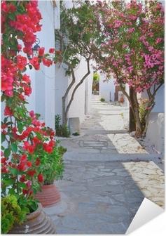 Poster autocollant Rue calme dans petit village grec traditionnel