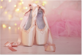 Poster Balett pointe skor på golvet på bokehbakgrund