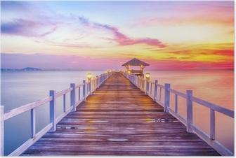 Poster Beboste brug in de haven tussen zonsopkomst