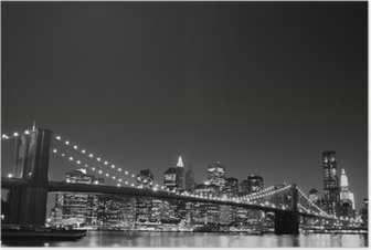 Poster Brooklyn Bridge och Manhattan horisont på natten, New York City