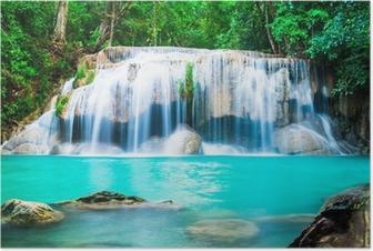 Póster Cascada en la selva en la provincia de Kanchanaburi, Tailandia