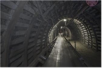 Poster Charbon machines de la mine: convoyeur à bande dans le tunnel souterrain