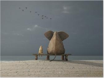 Póster Elefante y el perro se siente en una playa