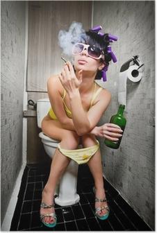 Poster Fille s'assied dans une toilette