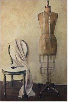 Poster Forme de robe antique et une chaise avec le sentiment millésime